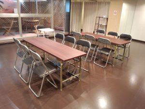 中野レンタルスタジオは机や椅子も完備しています