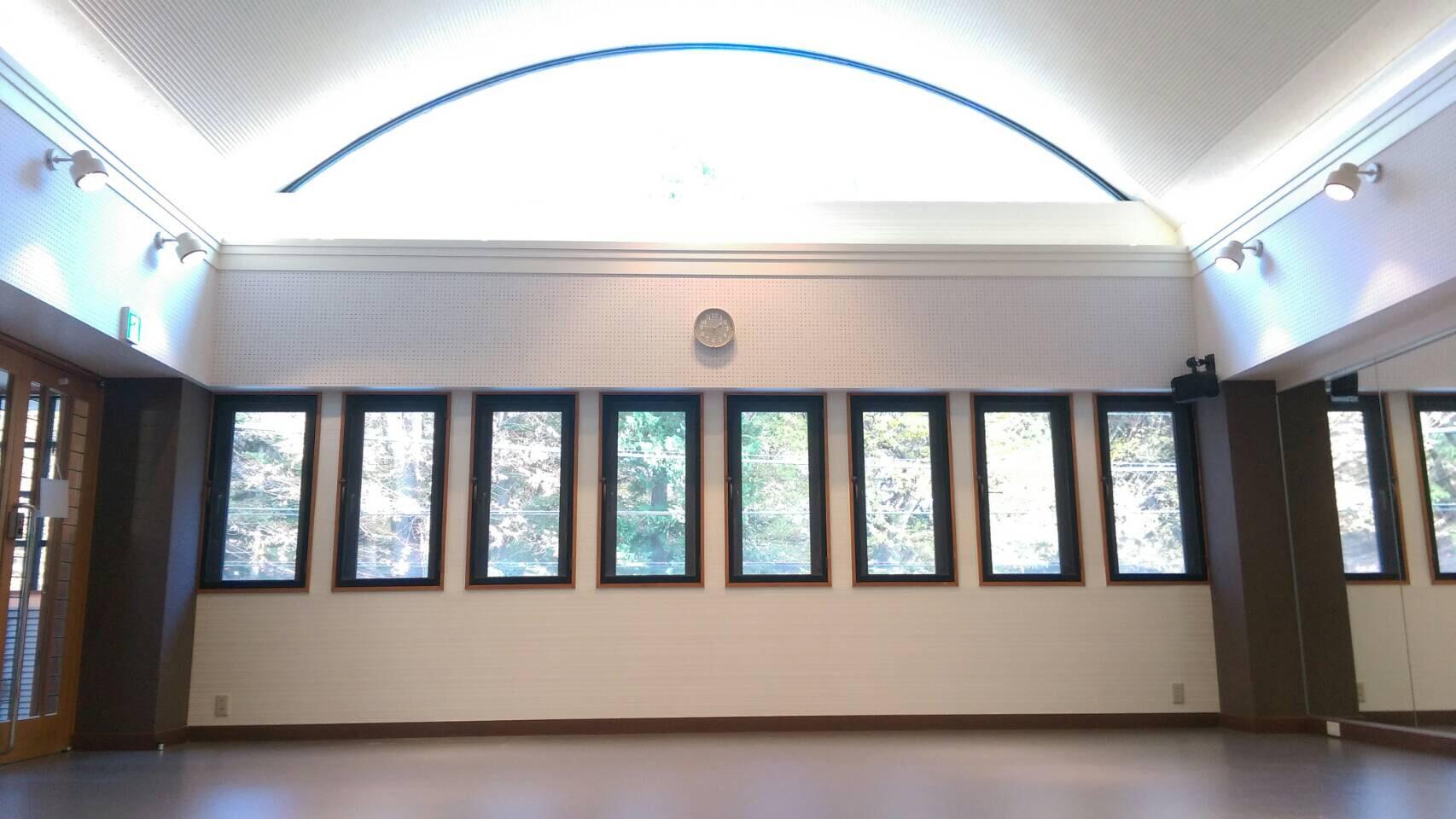 吉祥寺モリノスタジオは天空を望むような天井高4.5Mのイメージ
